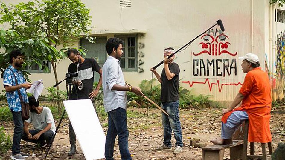 কবি ও নির্মাতা টোকন ঠাকুরকে নিয়ে তথ্যচিত্র 'দ্য পেইন'